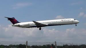 Md 90 Seating Chart Delta Airlines Mcdonnell Douglas Md 88 Hard Landing At Laguardia Airport
