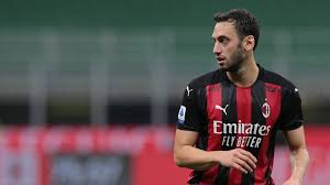 Mercato Milan: tempo di scelte per Calhanoglu - Virgilio Sport