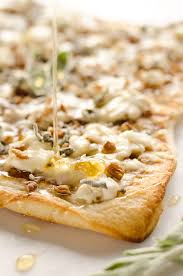 grilled honey goat cheese pizza