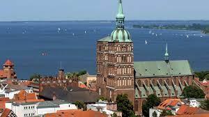 It provides 2,400 students with ideal conditions for successful studies. Stralsund Backsteingotik Und Welterbe An Der Ostsee Ndr De Ratgeber Reise Vorpommern