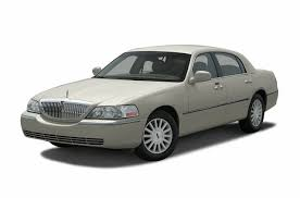 2003 Lincoln Town Car Information