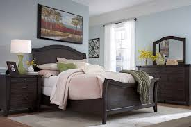 glass bedroom furniture rectangle shape wooden cabinets: broyhill attic retreat sleigh bedroom set