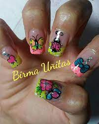 De este modo podremos llevar unas bonitas uñas decoradas que no nos van a molestar en nuestro día a día. Raras Unas Algo Diferente A Estas Unas Sencillas Y Bonitas Manicura De Unas Disenos De Unas Mariposas