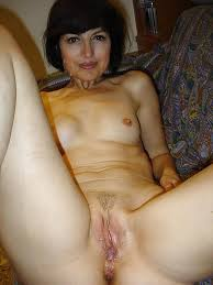 Naked Women Over 40 Years But They Are Very Sexy