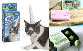 19 Cheap Christmas Gifts For Dogs And Cats  CheapismChristmas Gifts Cats