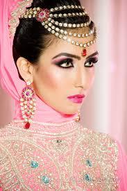 dsc 6070 muzna reshu malhotra dubai bridal makeup artist reshu malhotra