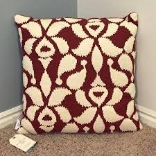 artisan de luxe home embroired deluxe area rug goods