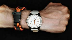 feature paracord and watch how to make paracord survival bracelets diy survival preppig