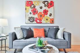 a grey sofa and the best color schemes