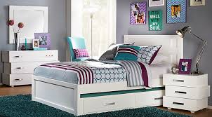 Teen girl bedroom furniture With It Comes To Teenage Girls Bedrooms Teenage Girls Are As Close To Young Ladies As They Can Get And As Special And Unique As They Are Their Teenage Rooms To Go Rooms To Go Furniture Guide Teen Girls Bedrooms