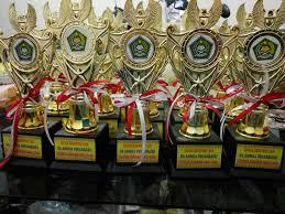 Jual Piala Trophy Murah, Harga Pial ... Jual Piala Grosir, Jual Piala Sepak ... piala kejuaraan, jual piala plastik, piala murah jakarta, toko piala makassar