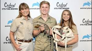 She is the daughter of steve irwin. Bindi Irwin Marries Chandler Powell In Private Ceremony Wusa9 Com