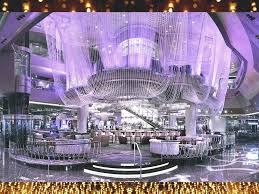 chandelier bar in vegas the chandelier bar at the cosmopolitan las vegas chandelier bar las vegas