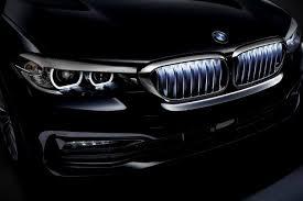 <b>Подсветка решетки радиатора</b> стала доступна для BMW 5-серии