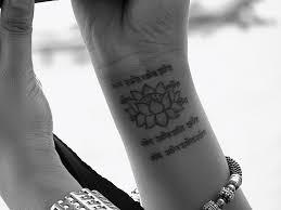 Tatuaggi Scritte Le Parole Sulla Pelle Cambiarestileit