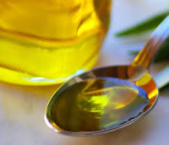 Is Olive Oil for Dogs a Good Cure for Itching Skin?