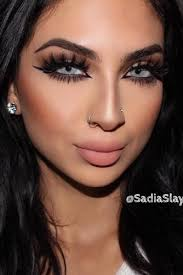y makeup ideas with cat eye eyeline style picture 4