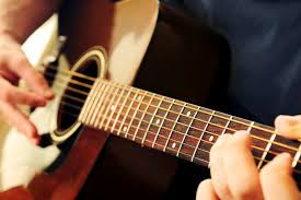 Tư vấn nên mua đàn guitar classic yamaha loại nào?