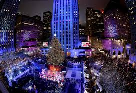 Nyc Tree Lighting 2015 Thousands Gather For Nyc Rockefeller Center Christmas Tree