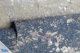Geholfen hat nur ein eklig stinkender etikettenentferner aus dem baumarkt. Teppichkleber Einfach Entfernen Von Holz Beton Co Talu De