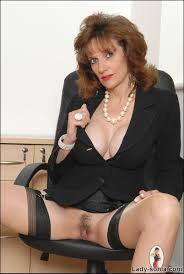 Office boss brunette milf lady sonia in nylons at Mature Sex Pictures