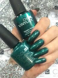 Shellac Emerald Lights Emerald Lights Colored Acrylic Nails Emerald Nails Green