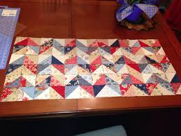 Pinterest'teki 25'den fazla en iyi Chevron table runners fikri ... & Used Missouri Star Quilt Co uTube tutorial to make chevron table runner  using a Charm Square Adamdwight.com