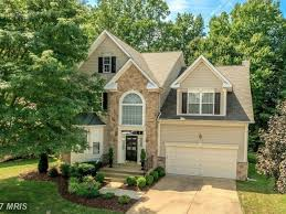 five bedroom house. kingstowne wow house: $830k for five-bedroom house with striking landscape-0 five bedroom