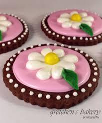royal icing daisy cookies