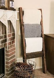 DIY Quilt Ladder | Quilt ladder, Craft and Woodworking & Check out 15 amazing DIY pallet project ideas with easy to follow tutorials  that you can Adamdwight.com