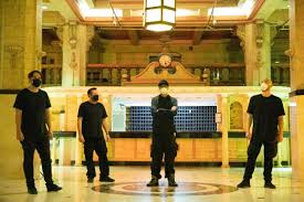 Ramirez'in, diğer bir deyişle gece sapığı, hikayesine gelirsek; Ghost Adventures Cecil Hotel Launches Exclusively On Discovery Travel Channel S Ghost Adventures Travel Channel