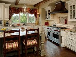 Red Swag Kitchen Curtains 3 Decorating Tips From This Kitchen Design Simple Sewing Projects