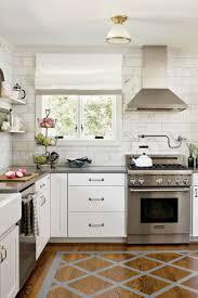 Crisp Classic White Kitchen Cabinets
