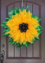 2017 sunflower with black ball center wreath tutorial