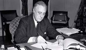 franklin d roosevelt miller center president roosevelt at a desk