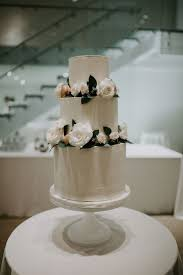 White Modern Wedding Cake Chez Chicago Wedding Venue