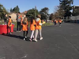 Walkathon In Sunshine Lafayette Elementary West Seattle