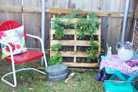 how to make an herb garden.  Herb Vertical Pallet Project 27 Intended How To Make An Herb Garden