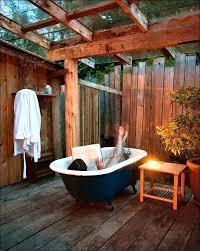 genial outdoor bathtub diy bathrooms outdoor bathtub outdoor bathtub airbnb outside ideas outdoor bathtub outdoor bathtubs