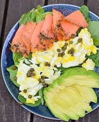 There are infinite opportunities to use smoked salmon in the wonderful world of canapés. A No Recipe Required Lunch From Realfoodwithdana Smoked Salmon Scrambled Eggs Avocado And Cap Whole 30 Recipes Smoked Salmon Breakfast Whole Food Recipes