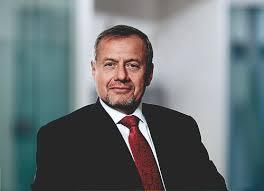Chairman - Roberto Quarta   Smith & Nephew