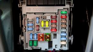 how to change car fuses angie's list how to change a fuse box to a breaker box at How To Change A Fuse In A Fuse Box