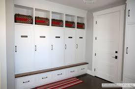 Organized (and decorated!) mudroom - The Sunny Side Up Blog
