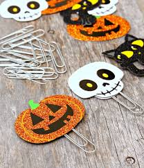 35 Spooky And Fun DIY Halloween Crafts Ideas  Family Holidaynet Cool Halloween Crafts