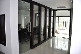 office cabins. The Corridor Contains Office Cabins And Meeting Spaces On Either Sides Enclosed By Glass Partitions In I