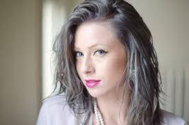女性グレイヘア髪型図鑑くせ毛薄毛白髪パーマ芸能人40代50代60代