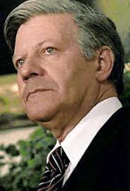 (Helmut Schmidt. Fhv. Tysk Forbundskansler fra 1974 til 1982 (Socialdemokratiet) Jyllands-Posten 15/8 1992). Helmut Schmidt - 200px-Schmidt
