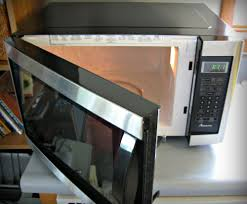 the new amana countertop microwave has a 1 6 cubic foot capacity and 1 100 watts of power
