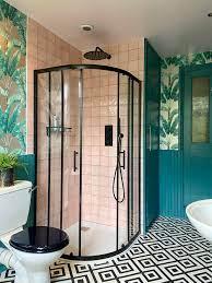 Amelia's Tropical Bathroom Paradise ...