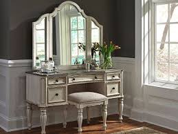vanities and benches 600